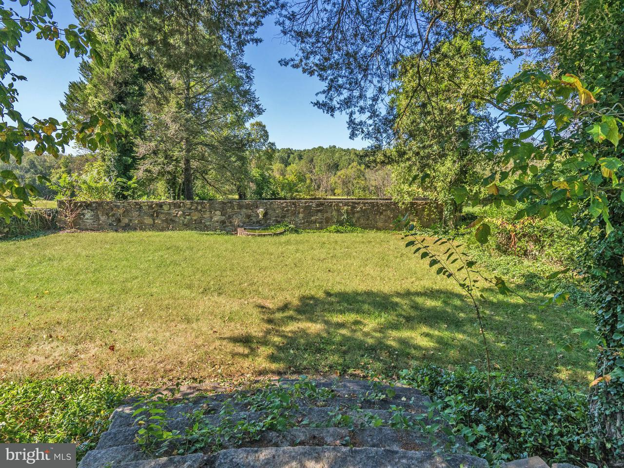 Additional photo for property listing at 6016 LEE HWY 6016 LEE HWY Warrenton, Virginia 20187 Stati Uniti