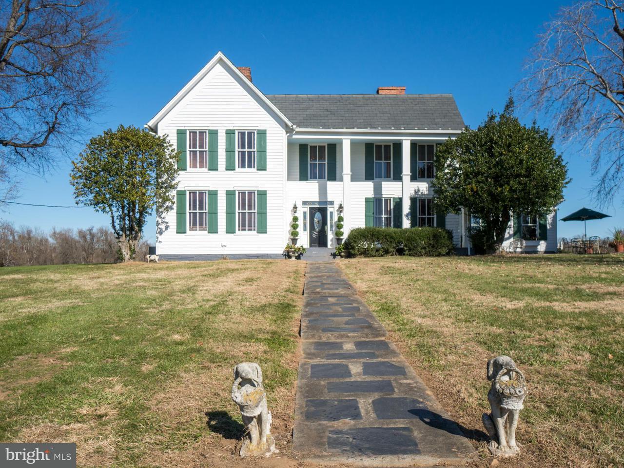 Einfamilienhaus für Verkauf beim 10335 Bridgeport Road 10335 Bridgeport Road Arvonia, Virginia 23004 Vereinigte Staaten