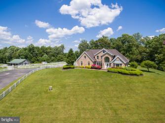 農場 のために 売買 アット 8425 SAM HILL Drive 8425 SAM HILL Drive Owings, メリーランド 20736 アメリカ合衆国