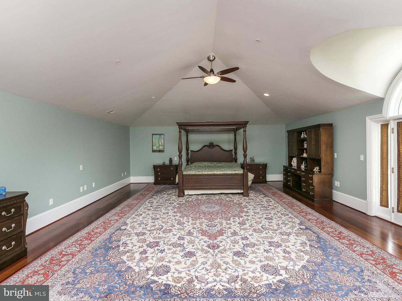 Additional photo for property listing at 9034 BRONSON Drive 9034 BRONSON Drive Potomac, Maryland 20854 United States