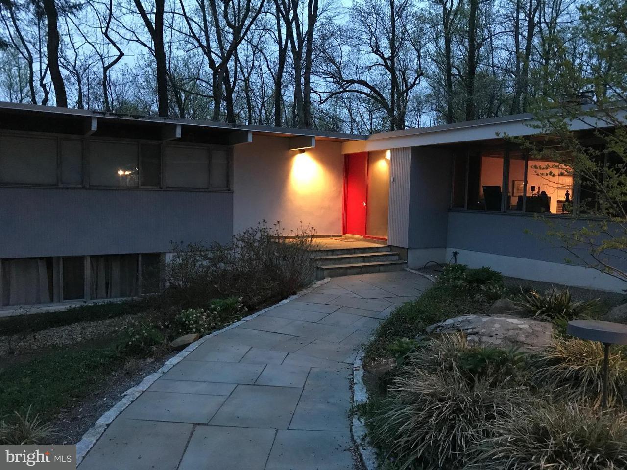 Частный односемейный дом для того Аренда на 74 WOODLAND Drive Princeton, Нью-Джерси 08540 Соединенные ШтатыВ/Около: Princeton