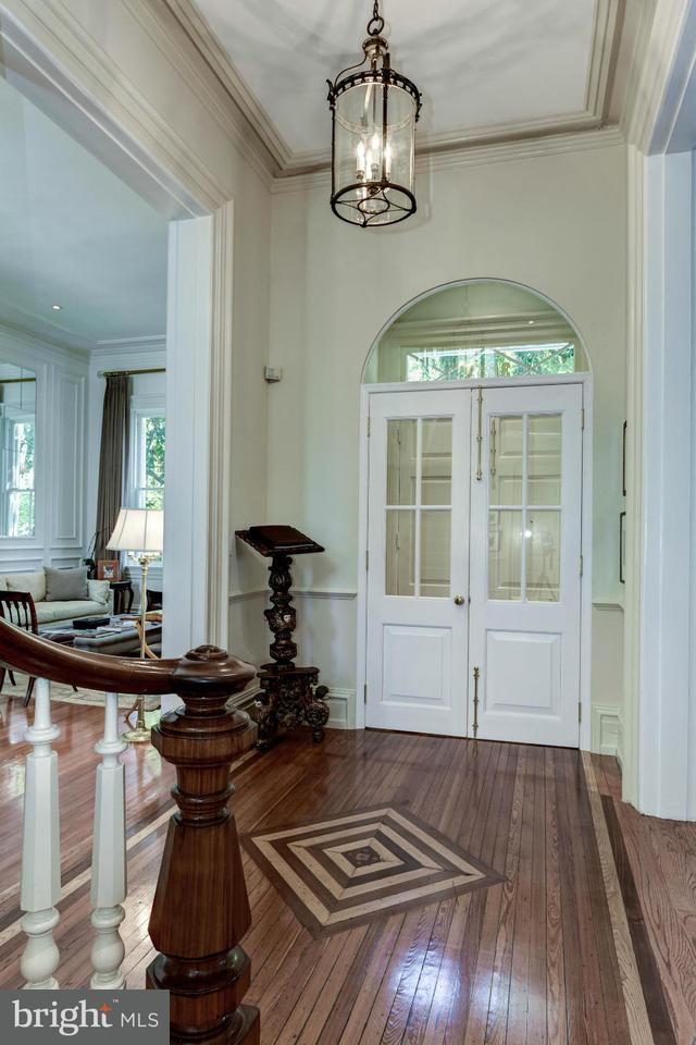 Additional photo for property listing at 3053 P ST NW 3053 P ST NW Washington, District Of Columbia 20007 United States