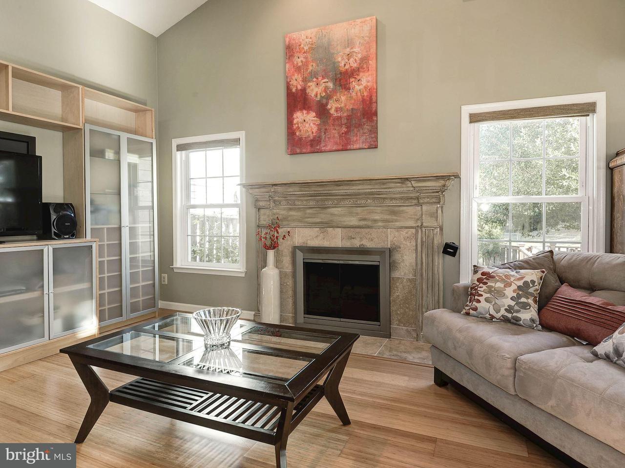 Single Family Home for Sale at 7532 CROSS GATE Lane 7532 CROSS GATE Lane Alexandria, Virginia 22315 United States