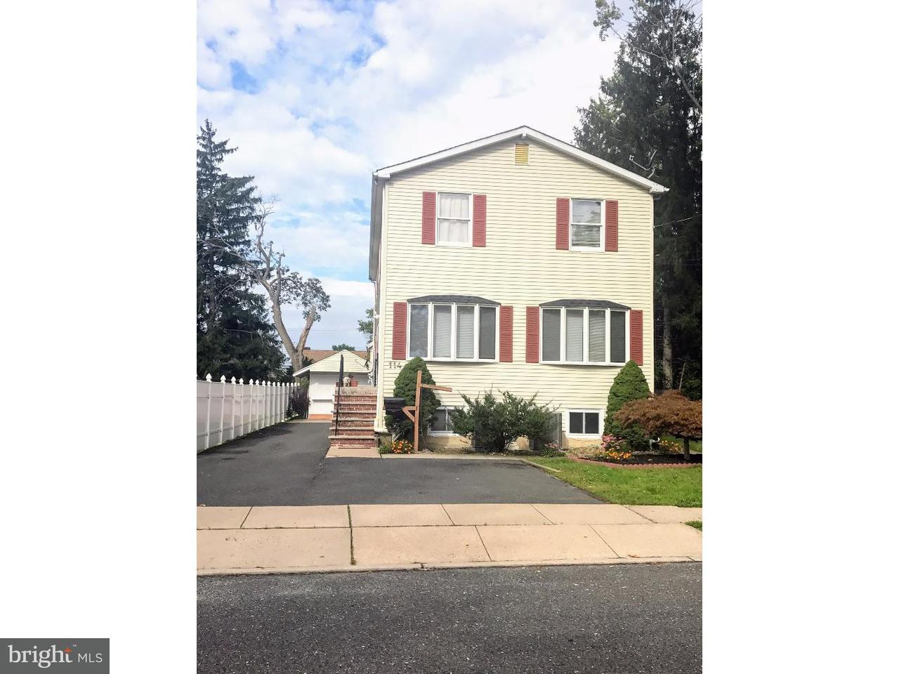 Частный односемейный дом для того Продажа на 114 MANLOVE Avenue Hightstown, Нью-Джерси 08520 Соединенные ШтатыВ/Около: Hightstown Borough