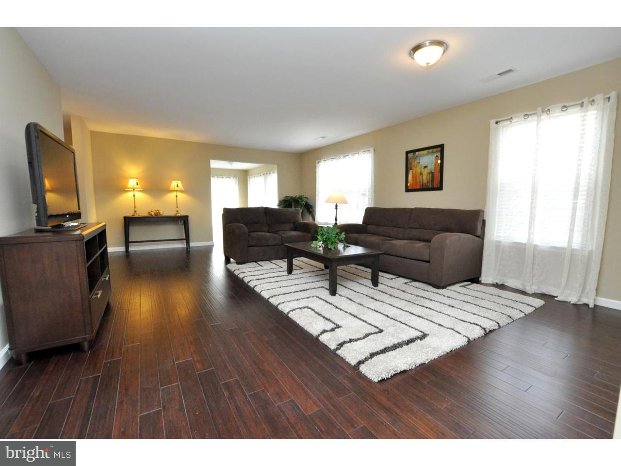 Частный односемейный дом для того Аренда на 9 KESWICK Court Mount Laurel, Нью-Джерси 08054 Соединенные Штаты
