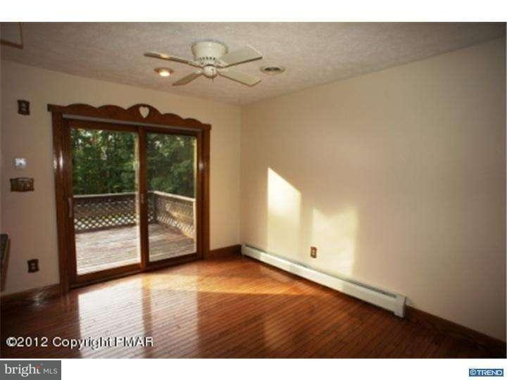 Additional photo for property listing at 913 WOODDALE Road  East Stroudsburg, Pennsylvania 18302 Estados Unidos