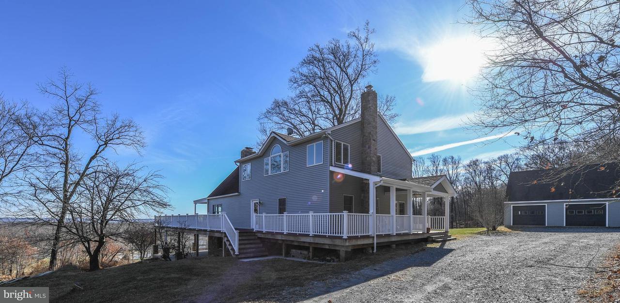 Частный односемейный дом для того Продажа на 10812 PUTMAN Road 10812 PUTMAN Road Thurmont, Мэриленд 21788 Соединенные Штаты