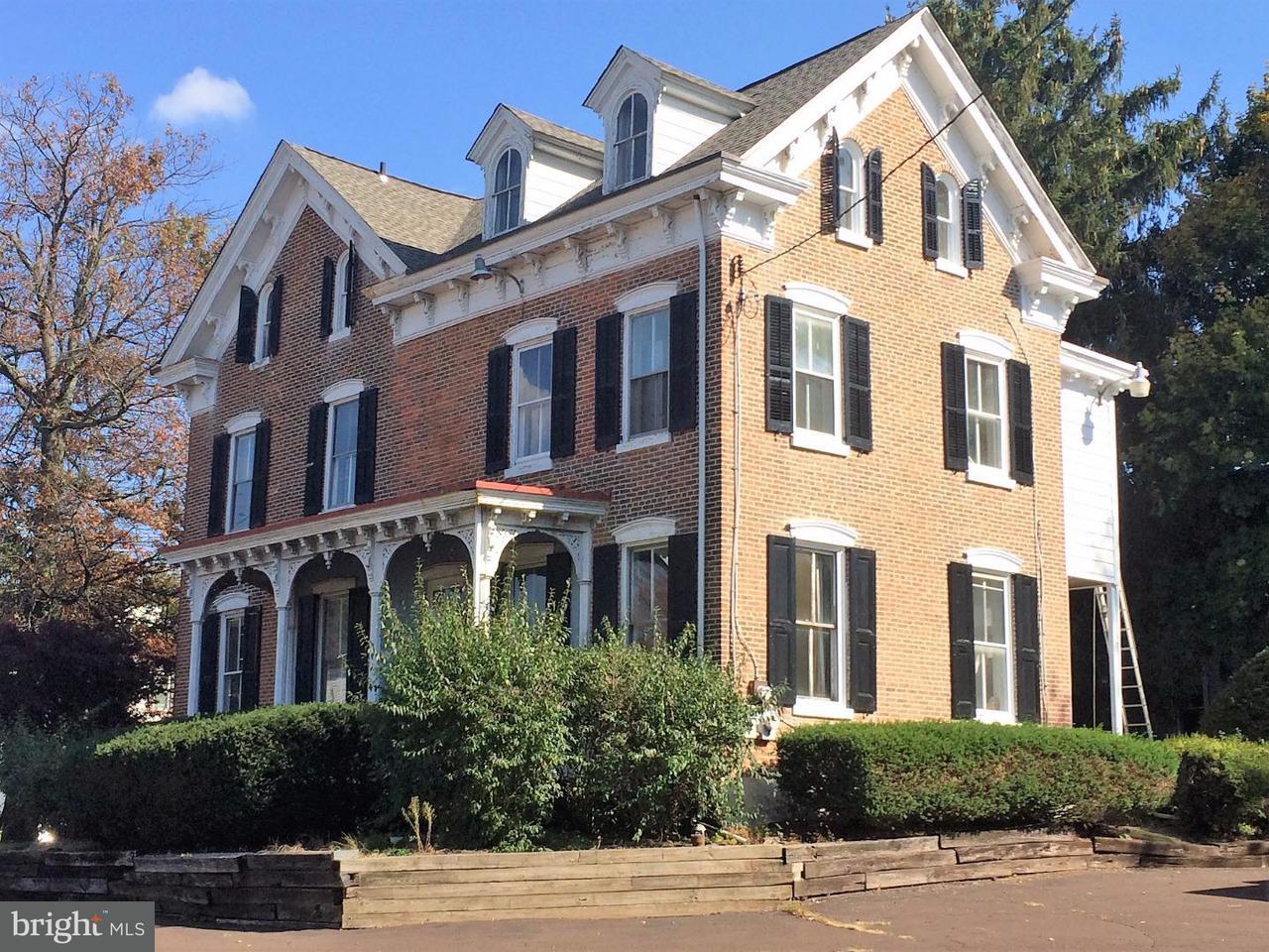 Частный односемейный дом для того Продажа на 106 S MAIN Street Dublin, Пенсильвания 18917 Соединенные Штаты