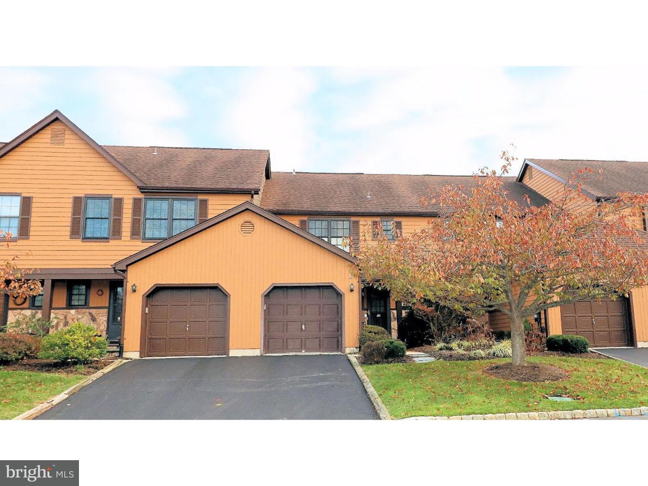 Casa unifamiliar adosada (Townhouse) por un Venta en 17 EASTON Court Lawrenceville, Nueva Jersey 08648 Estados UnidosEn/Alrededor: Lawrence Township