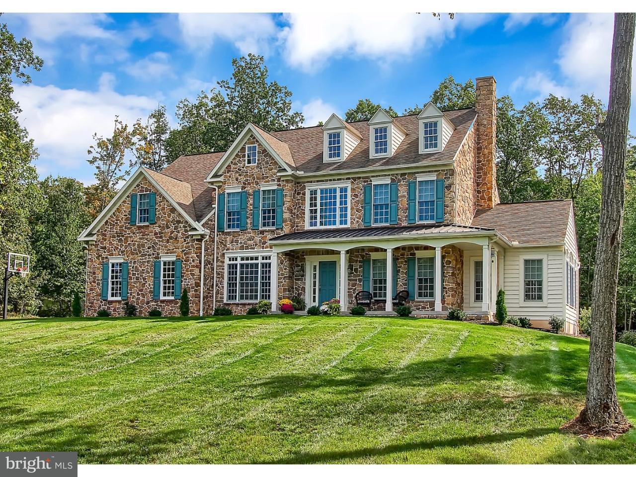 独户住宅 为 销售 在 404 QUAKER HILL Road Morgantown, 宾夕法尼亚州 19543 美国