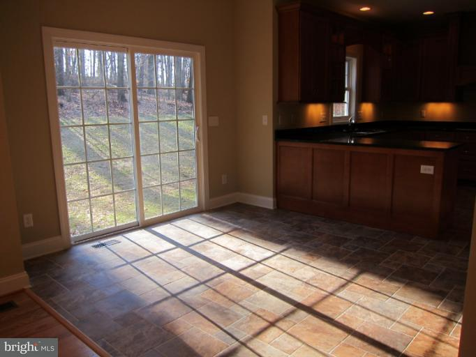 独户住宅 为 销售 在 21290 MIDDLETOWN Road 21290 MIDDLETOWN Road Freeland, 马里兰州 21053 美国