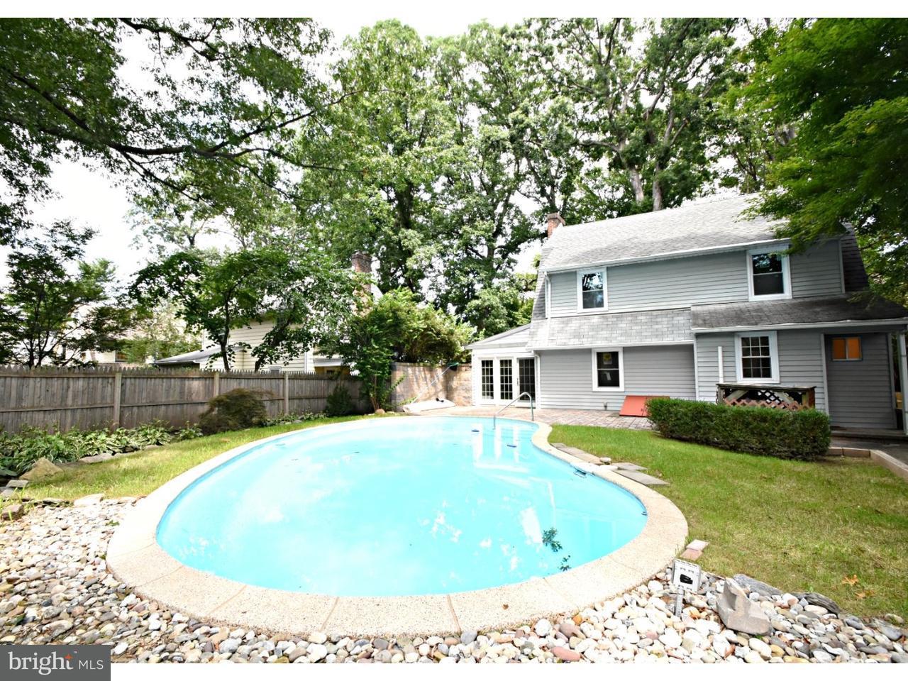 Casa Unifamiliar por un Venta en 702 E GLENSIDE Avenue Wyncote, Pennsylvania 19095 Estados Unidos