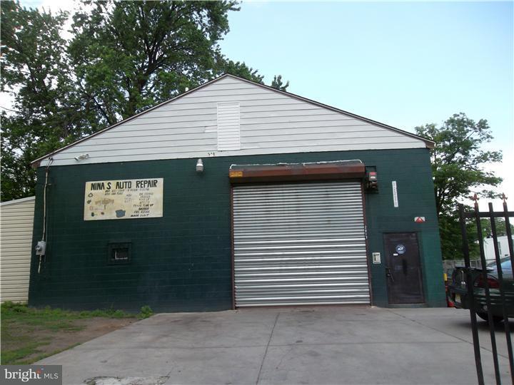 Частный односемейный дом для того Продажа на 120 E 28TH Street Camden, Нью-Джерси 08105 Соединенные Штаты