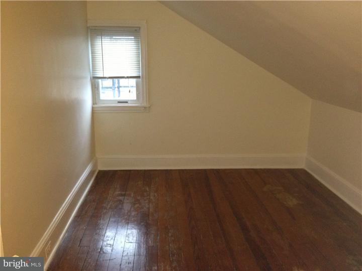 独户住宅 为 出租 在 703 BETHLEHEM PIKE 赛德, 宾夕法尼亚州 19038 美国
