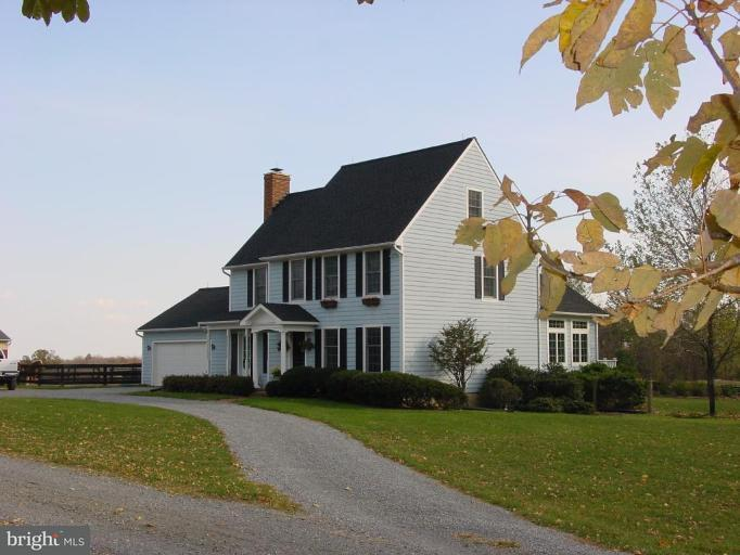 农场 为 销售 在 19798 FOGGY BOTTOM Road 19798 FOGGY BOTTOM Road Bluemont, 弗吉尼亚州 20135 美国