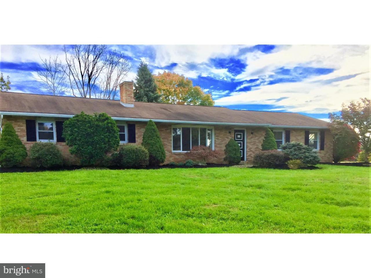 独户住宅 为 销售 在 8164 ELM Road Alburtis, 宾夕法尼亚州 18011 美国