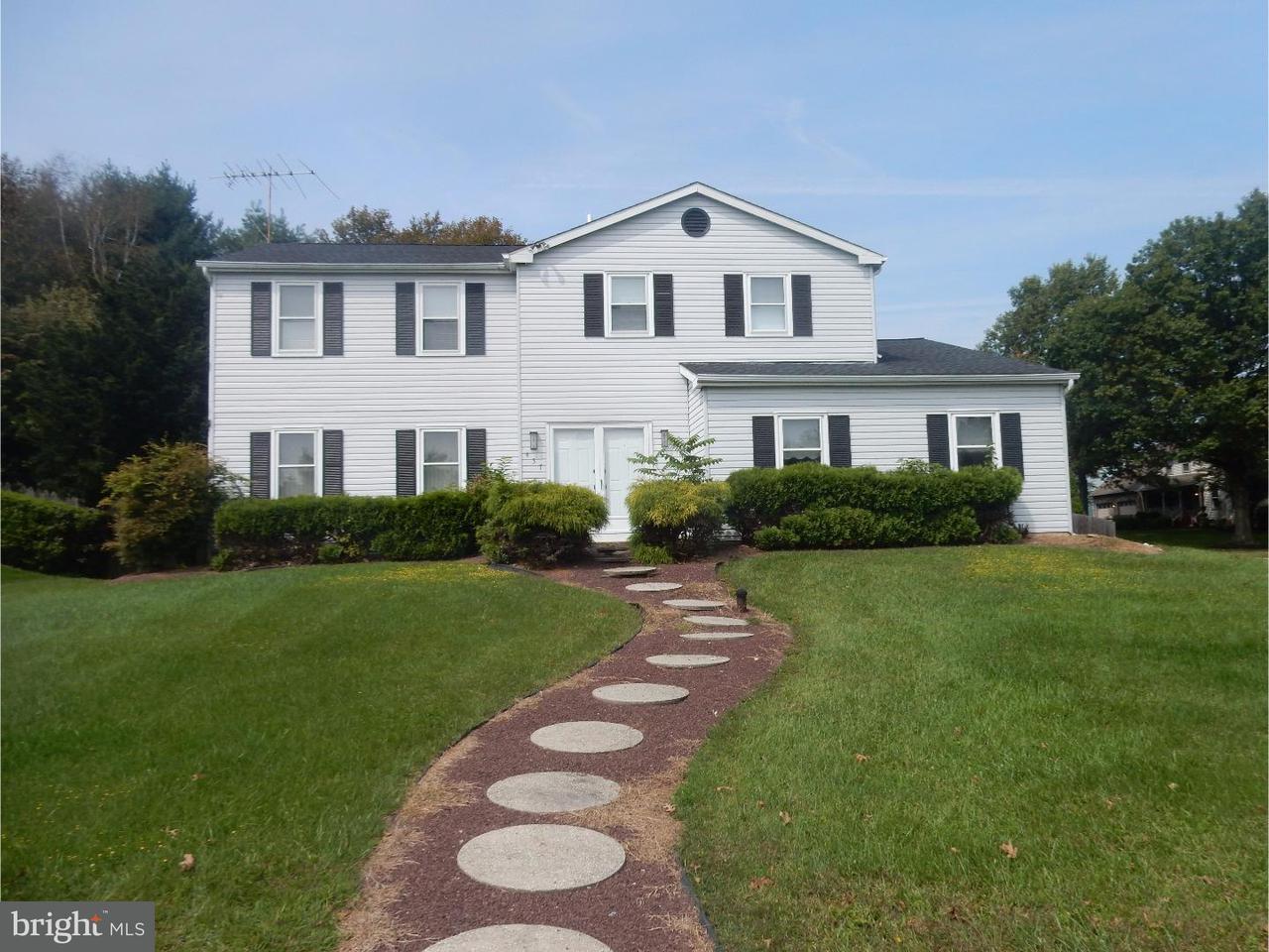 Частный односемейный дом для того Продажа на 437 FOX HOLLOW Drive Feasterville Trevose, Пенсильвания 19053 Соединенные Штаты