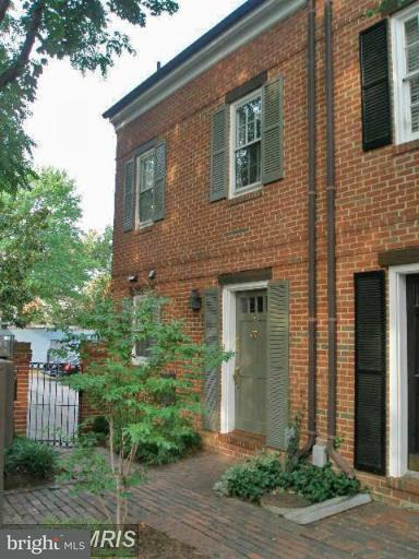 Other Residential for Rent at 109 King Henry Ct Alexandria, Virginia 22314 United States