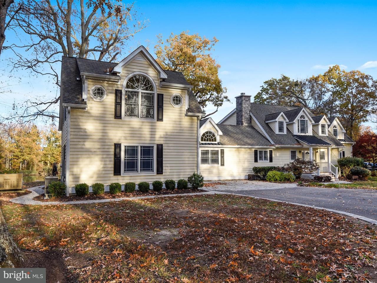 Single Family Home for Sale at 834 HOLLY LANDING Road 834 HOLLY LANDING Road West River, Maryland 20778 United States