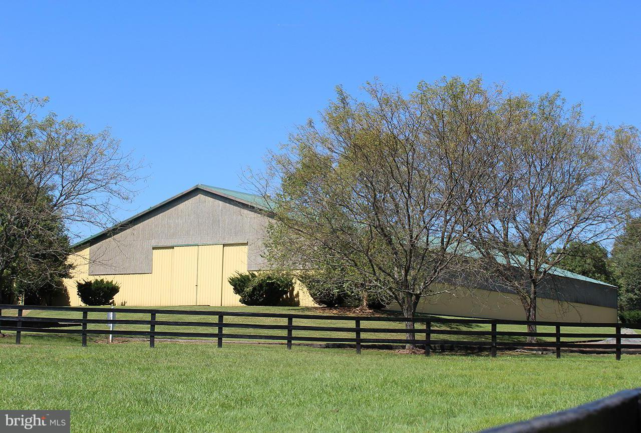 Commercial for Sale at 20370 WOODTRAIL Road 20370 WOODTRAIL Road Round Hill, Virginia 20141 United States