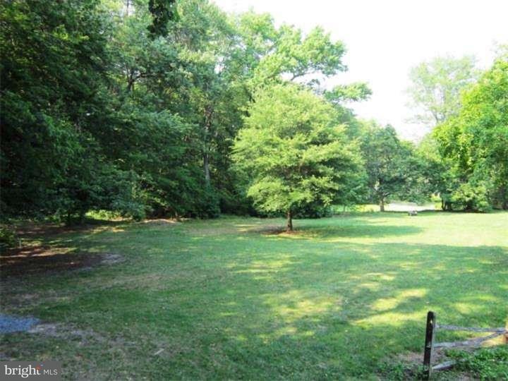 Частный односемейный дом для того Продажа на 322 E MAPLE Avenue Moorestown, Нью-Джерси 08057 Соединенные Штаты