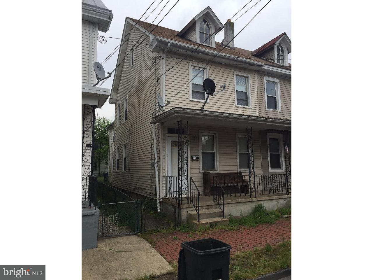 Таунхаус для того Аренда на 33 BISPHAM Street Mount Holly, Нью-Джерси 08060 Соединенные Штаты