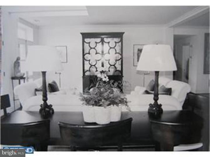 Частный односемейный дом для того Аренда на 414 OLD LANCASTER RD #401 Haverford, Пенсильвания 19041 Соединенные Штаты