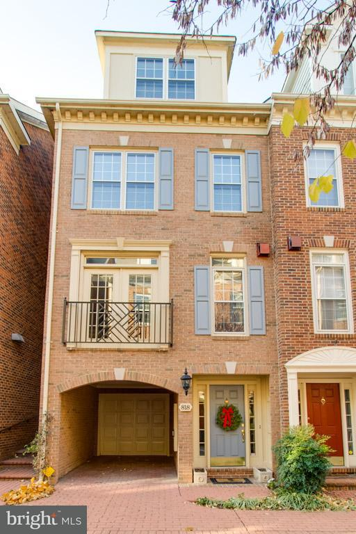 Townhouse for Sale at 818 WATER Place 818 WATER Place Alexandria, Virginia 22314 United States