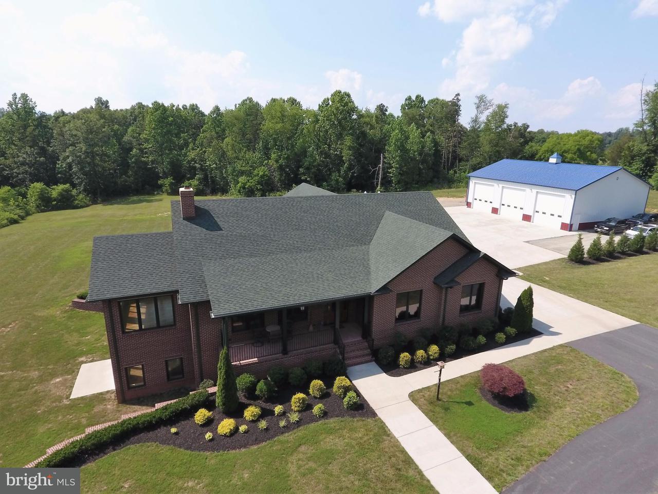 一戸建て のために 売買 アット 3451 LILLARDS FORD 3451 LILLARDS FORD Brightwood, バージニア 22715 アメリカ合衆国