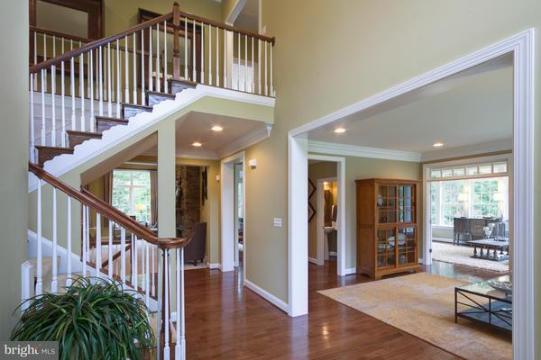 Additional photo for property listing at 12248 CLIFTON POINT Drive 12248 CLIFTON POINT Drive Clifton, Virginia 20124 Verenigde Staten