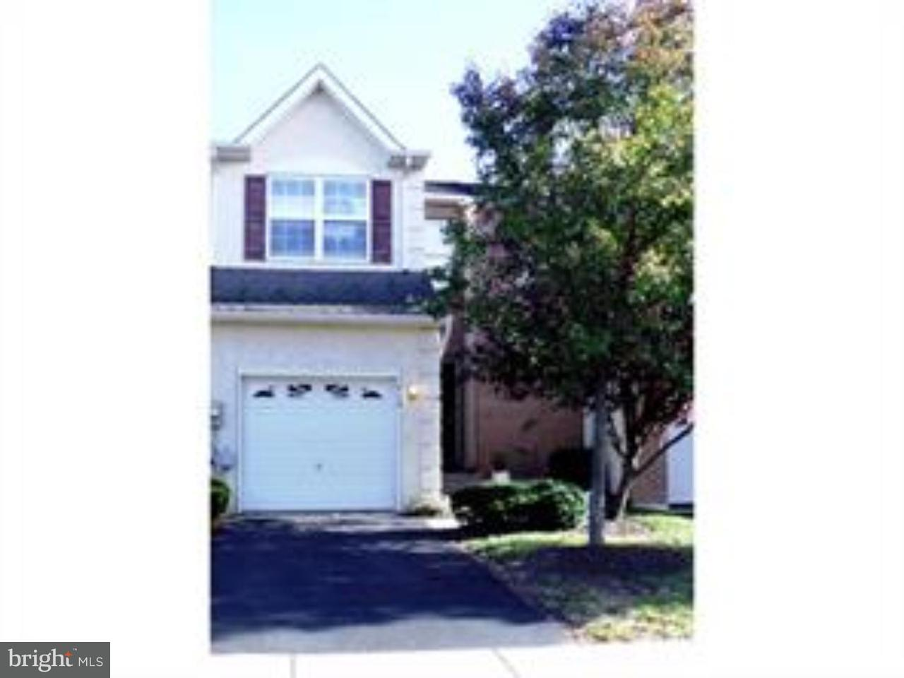 Casa unifamiliar adosada (Townhouse) por un Alquiler en 912 VANGUARD Drive Red Hill, Pennsylvania 18076 Estados Unidos