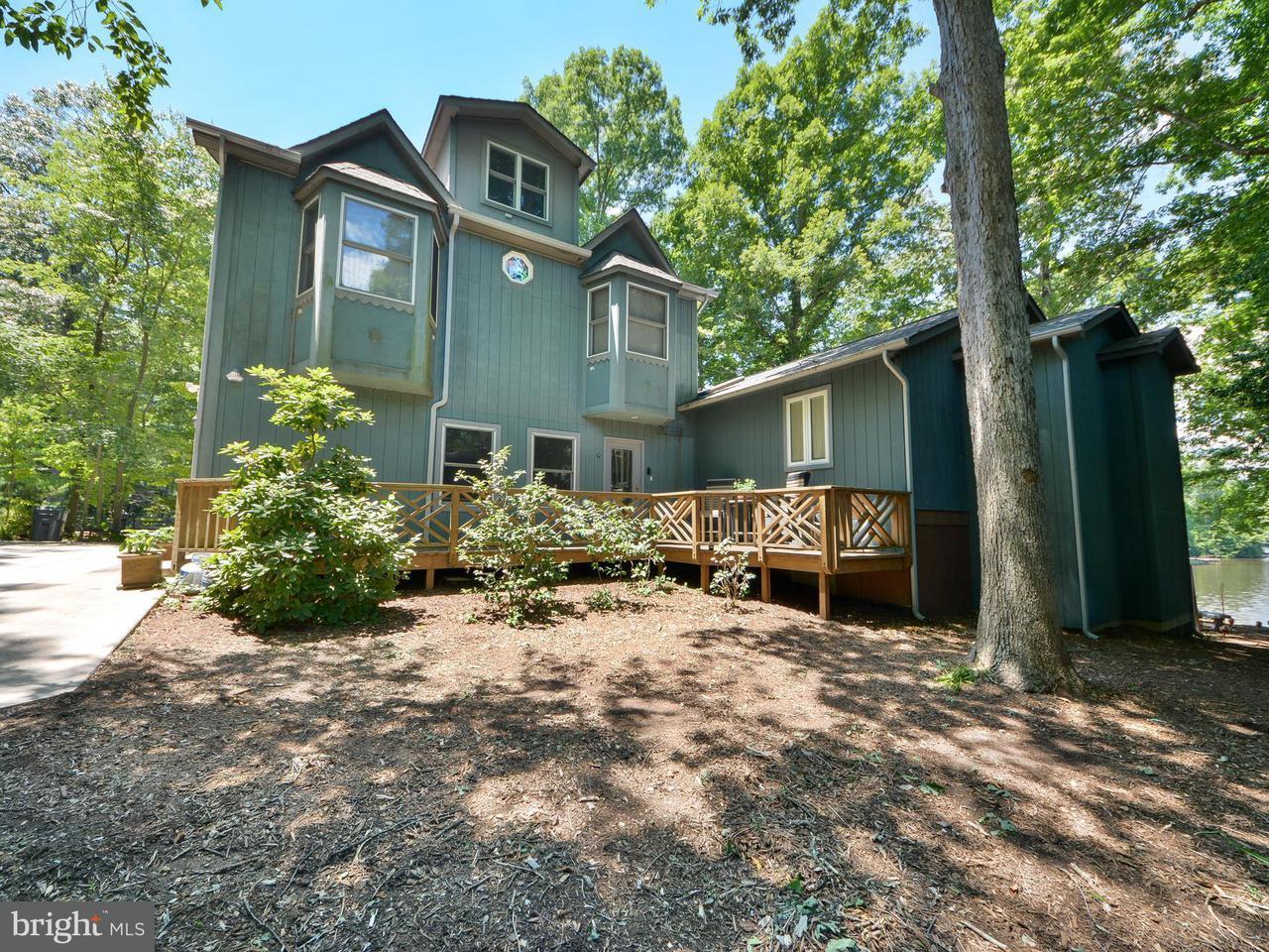 Villa per Vendita alle ore 192 LAKE CAROLINE Drive 192 LAKE CAROLINE Drive Ruther Glen, Virginia 22546 Stati Uniti