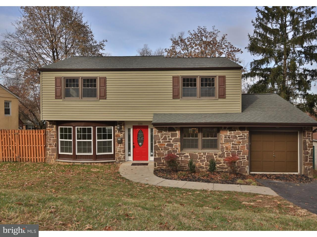 Maison unifamiliale pour l Vente à 2204 OAKWYN Road Lafayette Hill, Pennsylvanie 19444 États-Unis