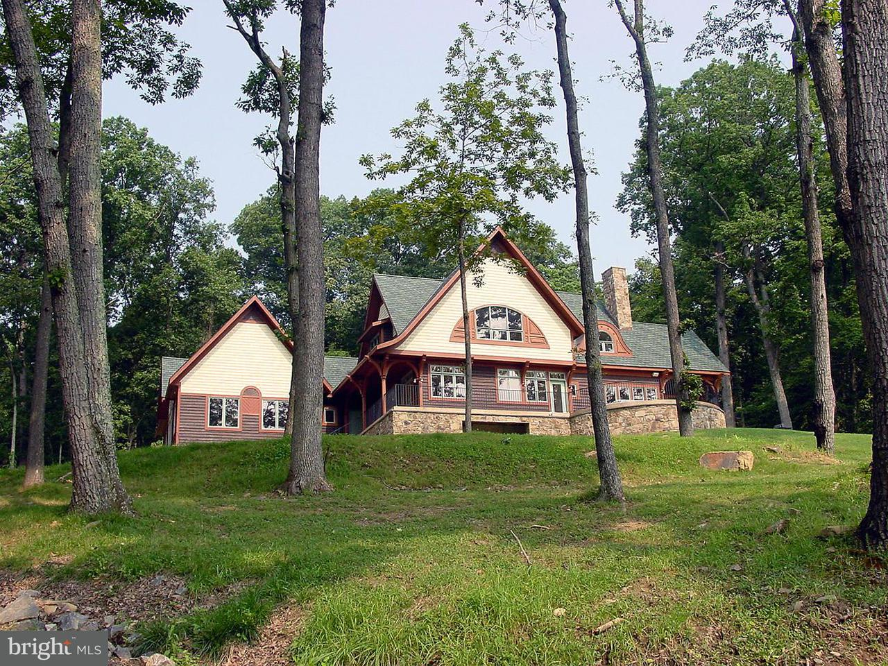 Casa Unifamiliar por un Venta en 10210 POSSUM HOLLOW Drive 10210 POSSUM HOLLOW Drive Delaplane, Virginia 20144 Estados Unidos