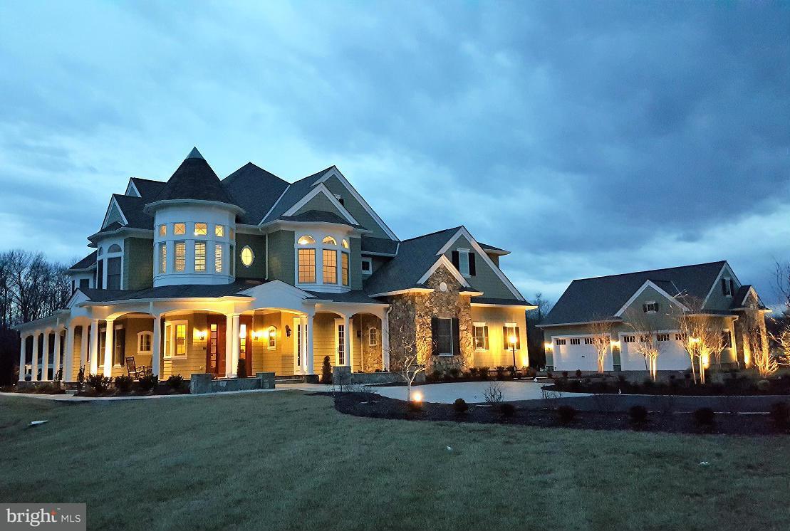 Частный односемейный дом для того Продажа на 11517 ASBURY RIDGE Court 11517 ASBURY RIDGE Court Nokesville, Виргиния 20181 Соединенные Штаты