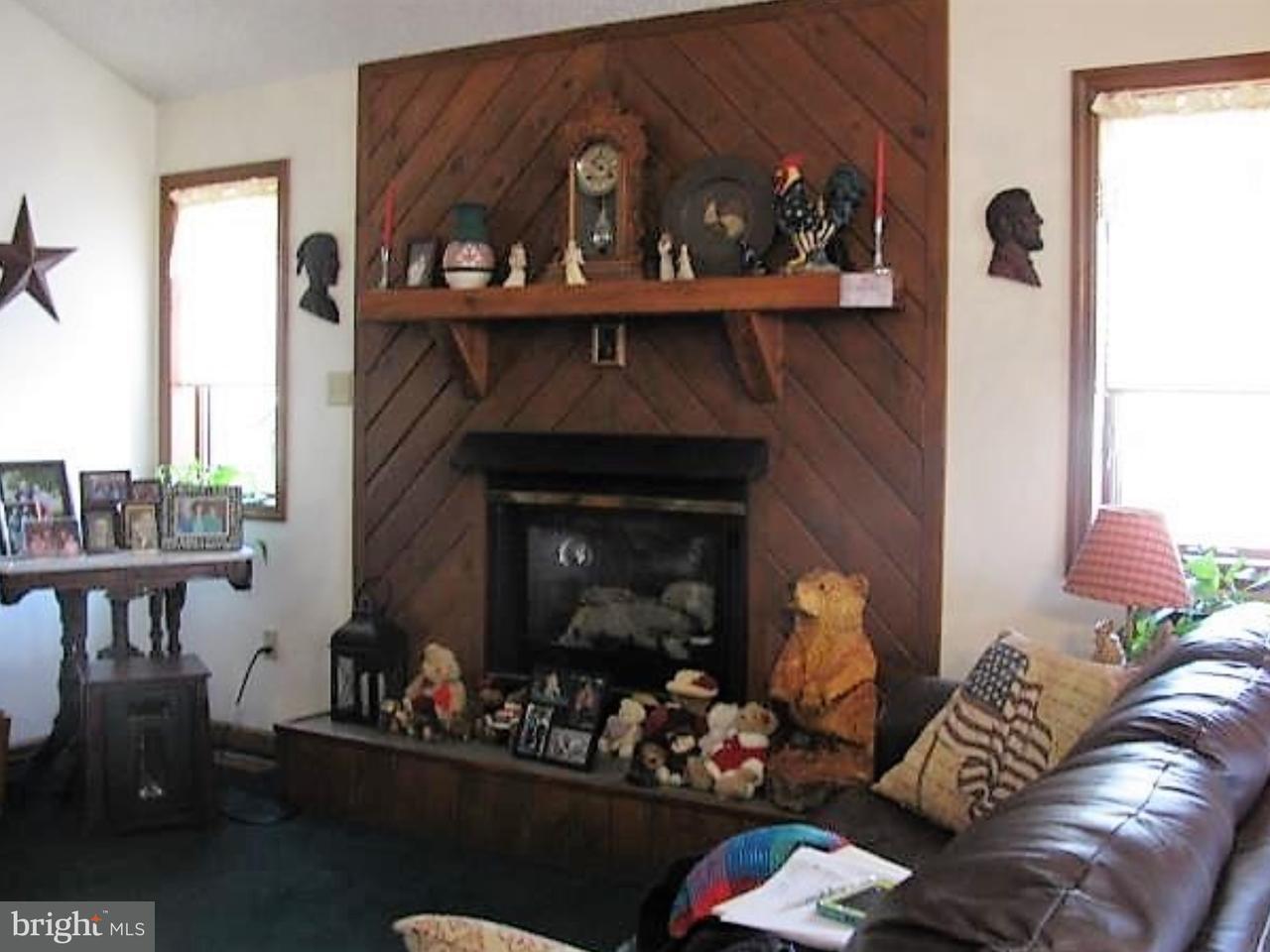 Частный односемейный дом для того Продажа на 535 N HAYSTACK Drive Zion Grove, Пенсильвания 17985 Соединенные Штаты