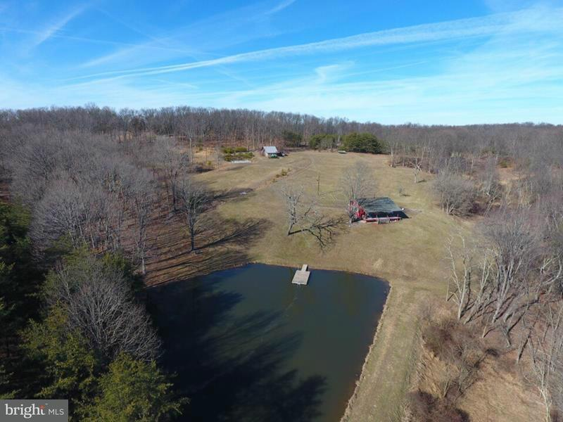 Additional photo for property listing at 496 TANGLEWOOD DRIVE 496 TANGLEWOOD DRIVE Slanesville, West Virginia 25444 Verenigde Staten