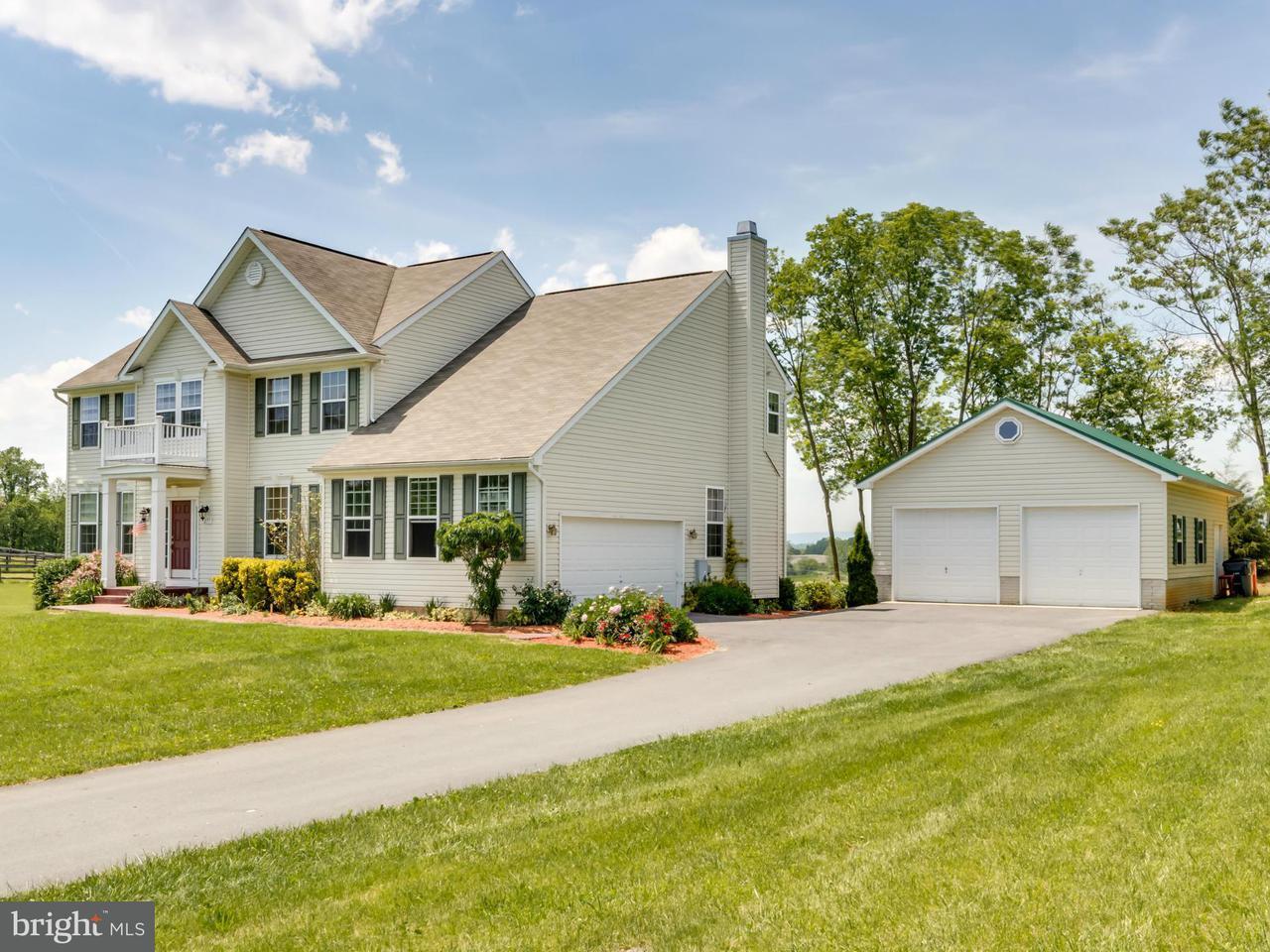 Частный односемейный дом для того Продажа на 277 PASO CORTO Drive 277 PASO CORTO Drive Kearneysville, Западная Виргиния 25430 Соединенные Штаты