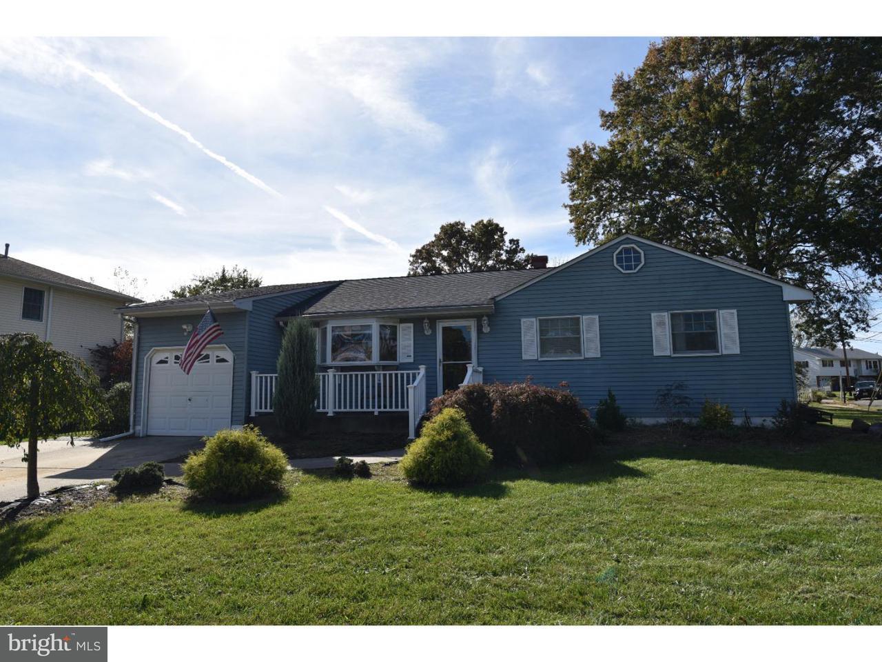 Maison unifamiliale pour l Vente à 1041 ESTATES BLVD Hamilton Square, New Jersey 08690 États-UnisDans/Autour: Hamilton Township