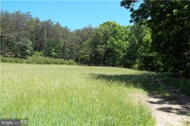 Additional photo for property listing at RIVER RD - RT 8 RIVER RD - RT 8 Romney, West Virginia 26757 Estados Unidos