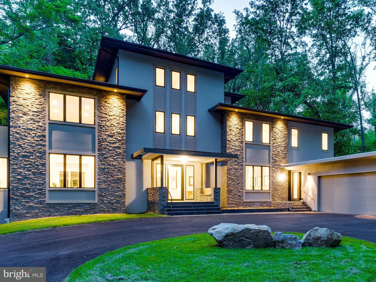 独户住宅 为 销售 在 8920 BURDETTE Road 8920 BURDETTE Road 贝塞斯达, 马里兰州 20817 美国