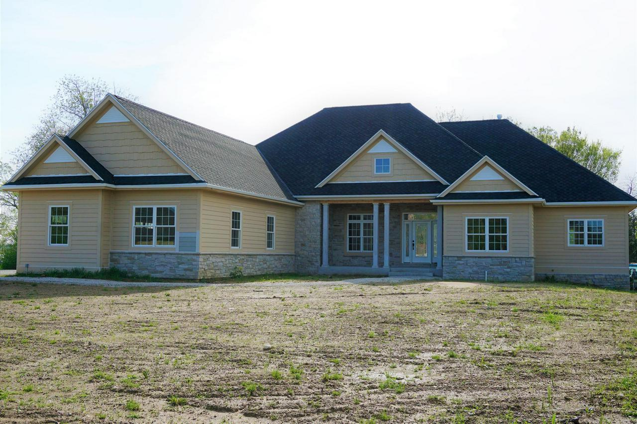 Exceptional New Construction Home By Oz Good Builders In Delafieldu0027s  Carriage Hills! Enjoy This Great