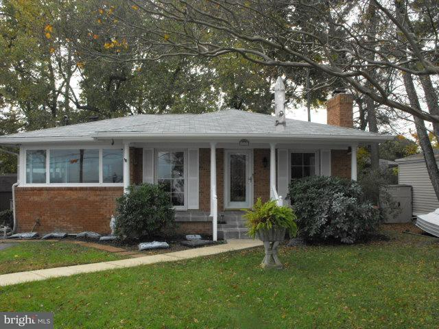 Casa Unifamiliar por un Venta en 627 WALNUT Avenue 627 WALNUT Avenue North Beach, Maryland 20714 Estados Unidos