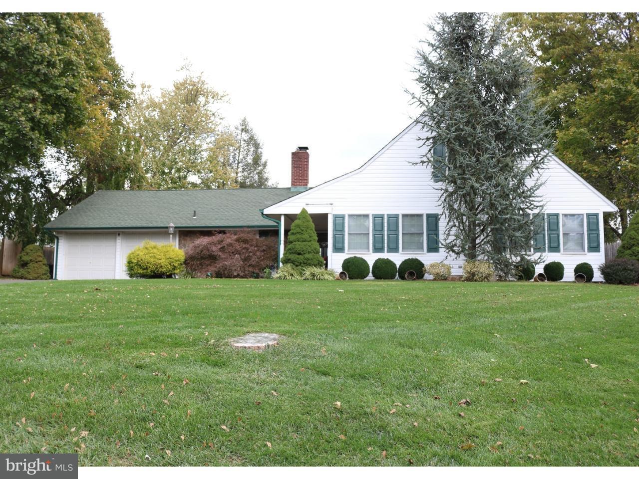 Частный односемейный дом для того Продажа на 28 FLAMEHILL Road Levittown, Пенсильвания 19056 Соединенные Штаты