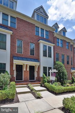 ARLINGTON, VA Real Estate Listings - MLS#AR9979915 For Sale