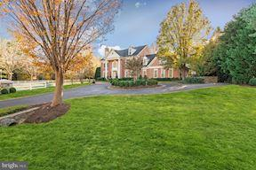 Casa Unifamiliar por un Venta en 9400 CRIMSON LEAF TER 9400 CRIMSON LEAF TER Rockville, Maryland 20854 Estados Unidos