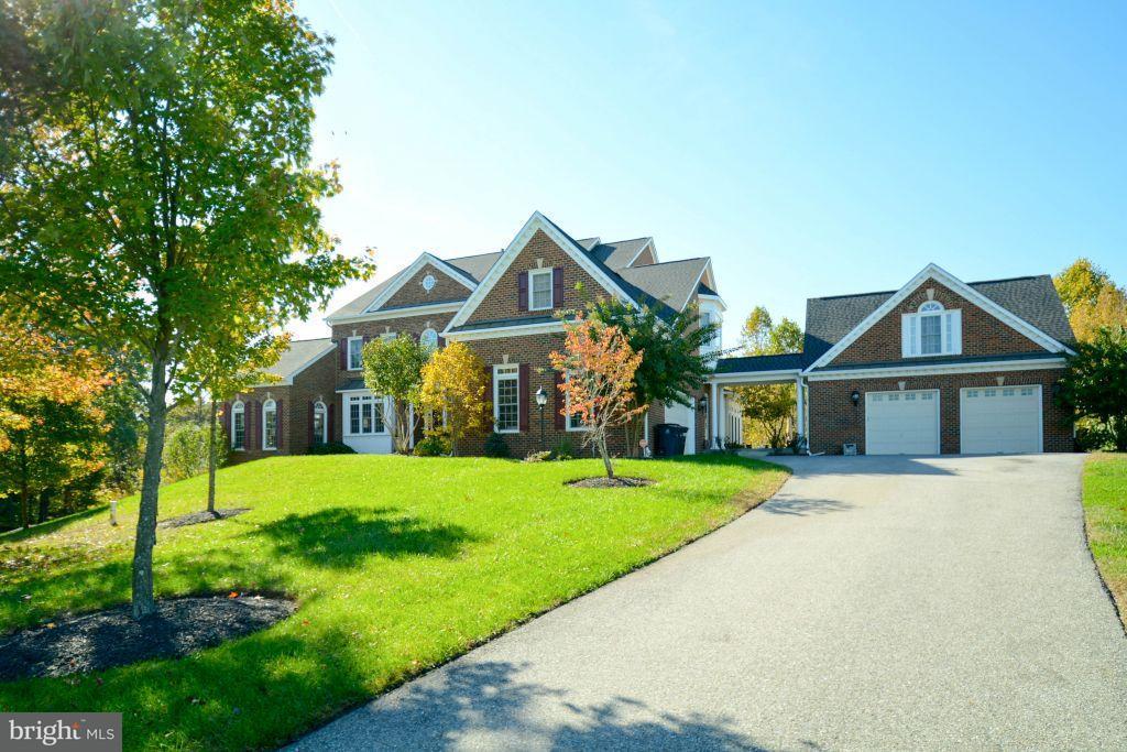 独户住宅 为 销售 在 13414 MARBURG Lane 13414 MARBURG Lane 上马尔伯勒, 马里兰州 20772 美国