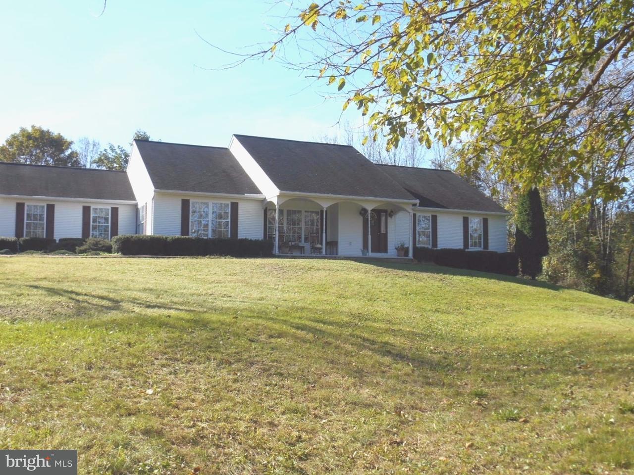 Частный односемейный дом для того Продажа на 3006 CONGO Road East Greenville, Пенсильвания 18041 Соединенные Штаты