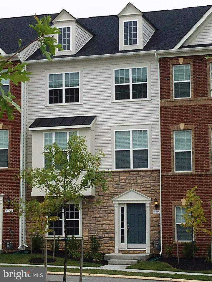 Single Family for Sale at 2104 St. Joseph Dr Mitchellville, Maryland 20721 United States