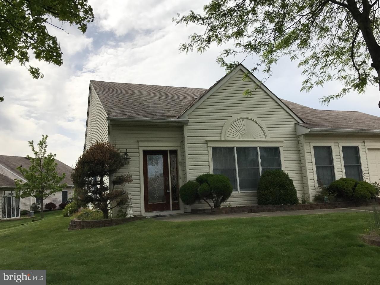 Частный односемейный дом для того Продажа на 71 LANTERN Lane Mansfield Township, Нью-Джерси 08022 Соединенные Штаты